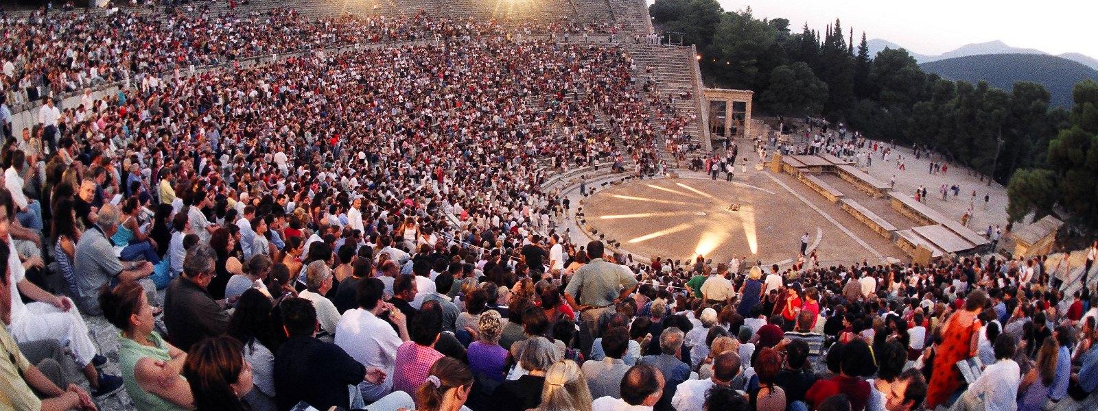 Voorstelling in het Theater van Epidavros